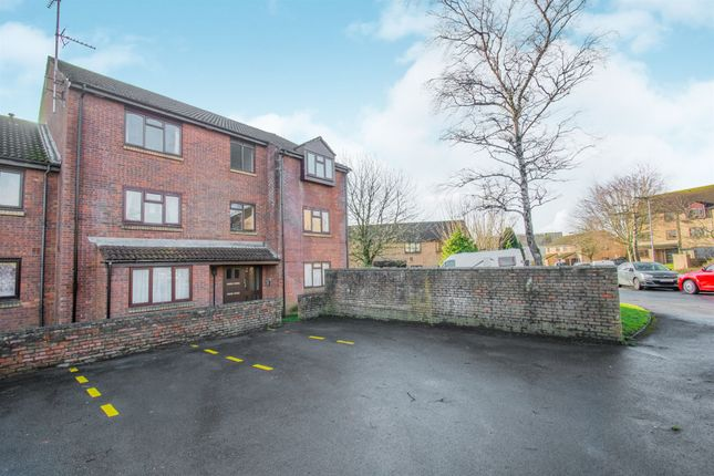 Thumbnail Flat for sale in Oxwich Close, Fairwater, Cardiff