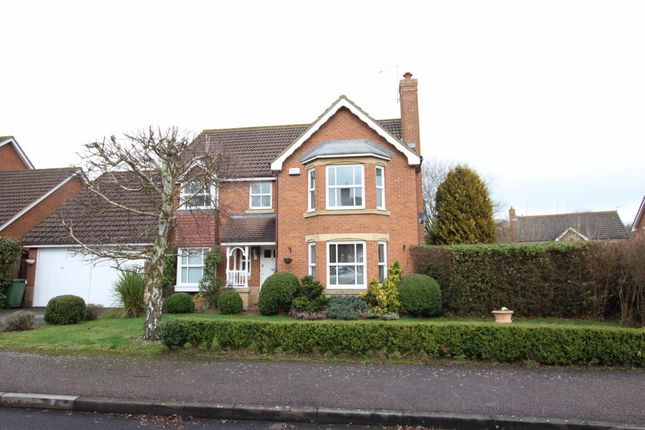 Thumbnail Detached house for sale in Binfield, Bracknell