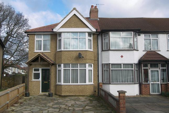 Thumbnail Property to rent in Grosvenor Crescent, Hillingdon
