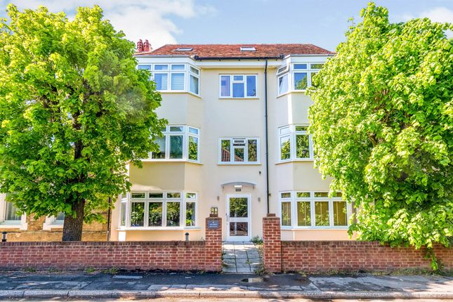 Flat for sale in The Avenue, Inner Avenue, Southampton