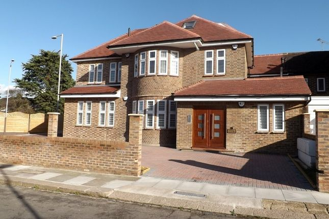 Thumbnail Property to rent in Ashcombe Gardens, Edgware