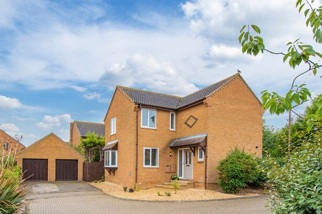 Thumbnail Detached house for sale in Thirsk Gardens, Bletchley, Milton Keynes