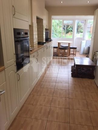5 bed shared accommodation to rent in Fairfax Road, London