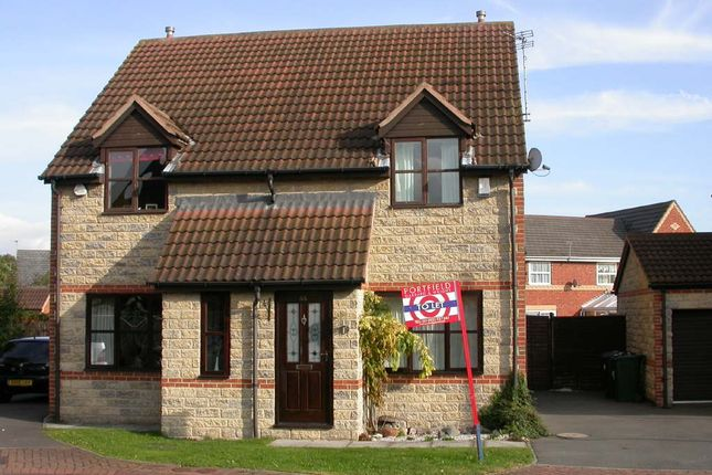 Thumbnail Semi-detached house to rent in West Green Drive, Kirk Sandall, Doncaster