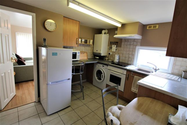 Kitchen of Mill Farm Park, Bulkington, Bedworth CV12