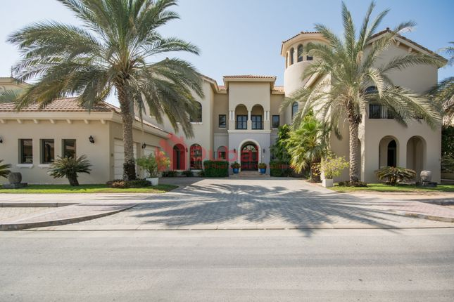 Thumbnail Villa for sale in Frond F, Palm Jumeirah, Dubai, United Arab Emirates