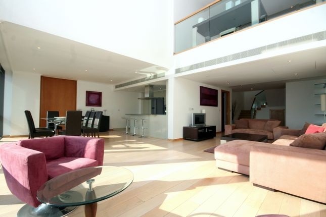 Thumbnail Duplex to rent in One West India Quay, Hertsmere Road, London