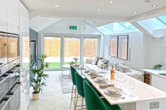Thumbnail Property to rent in Lochaline Street, London