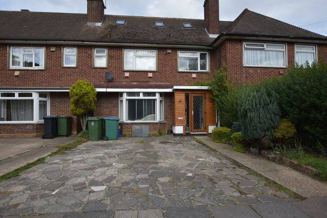 Thumbnail Terraced house for sale in Leggatts Rise, Watford