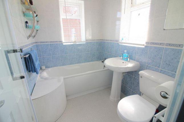 Photo 10 of Sawtry Close, Luton, Bedfordshire LU3