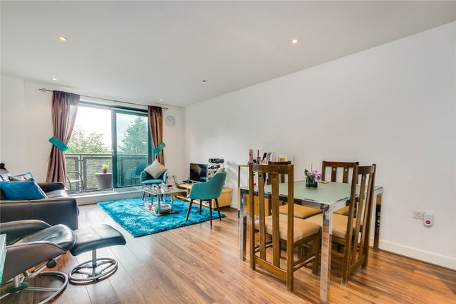 Thumbnail 2 bed flat to rent in Chapter Way, London