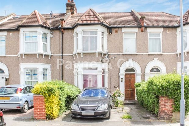 Thumbnail Terraced house for sale in Park Road, Ilford, Essex