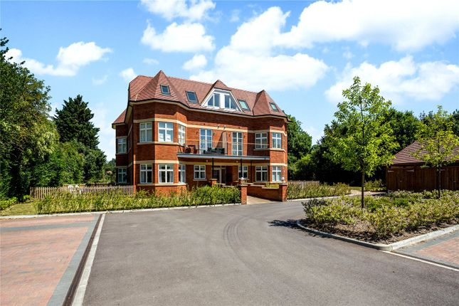 Thumbnail Flat for sale in The Old Court, Bath Road, Maidenhead