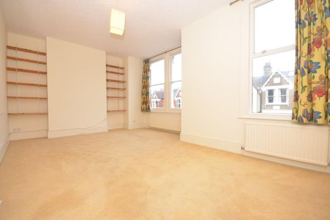 Thumbnail Flat to rent in Princes Avenue, London
