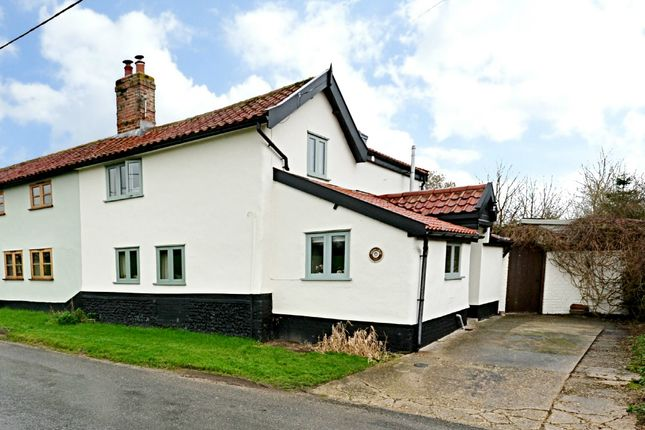 Thumbnail Cottage for sale in Hill Road, Tibenham, Norwich