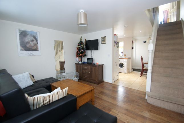 End terrace house for sale in Kingsnorth Road, Ashford