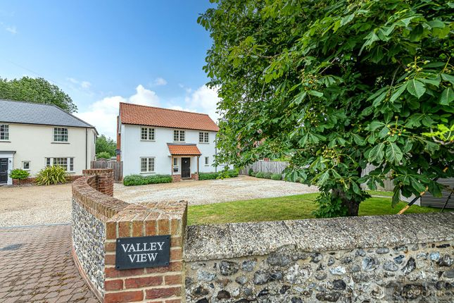 4 bed detached house for sale in Low Street, Bardwell, Bury St. Edmunds IP31