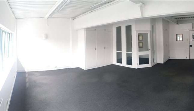 Serviced office to let in 15 Paternoster Row, Sheffield