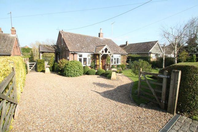 Thumbnail Detached bungalow for sale in Pebblemoor, Edlesborough, Buckinghamshire