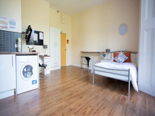 Studio to rent in Premium Studio, Daisybank Villas, Manchester