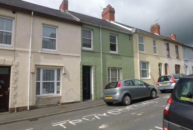1 bed flat to rent in Parcmaen Street, Carmarthen, Carmarthenshire SA31