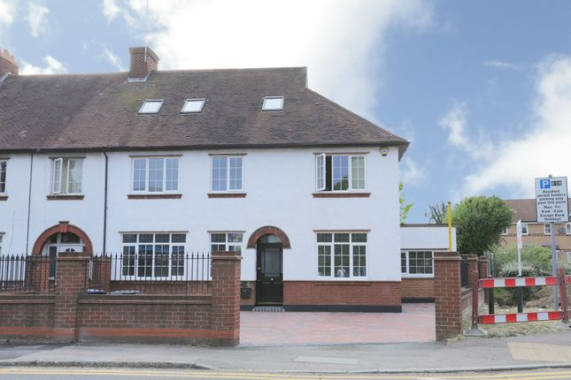 Thumbnail Flat for sale in St. Albans Road East, Hatfield
