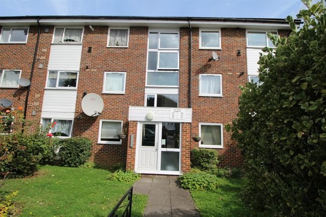 Thumbnail Flat for sale in Leaf Grove, West Norwood, London
