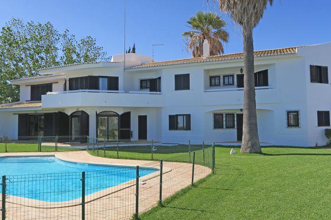 Thumbnail Villa for sale in Alvor, Portimão, Portugal