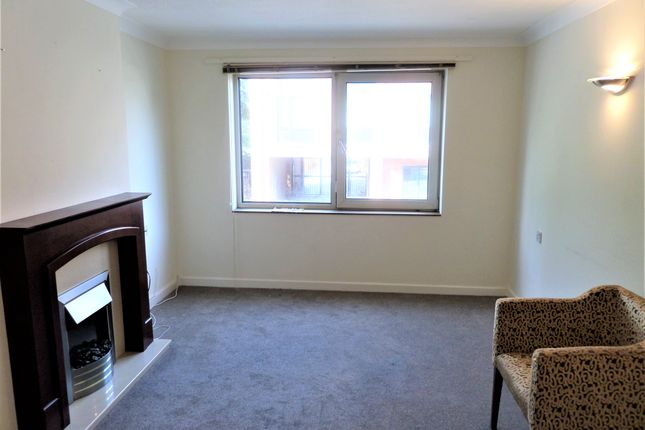 Thumbnail Flat to rent in Homebrook House, Cardington Road, Bedford, Bedfordshire