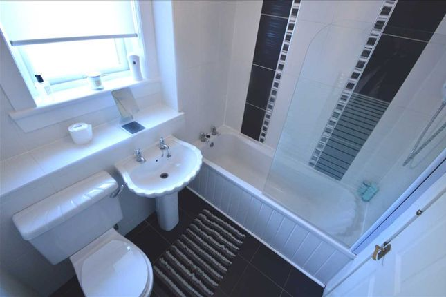 Family Bathroom of Balmore Drive, Hamilton ML3