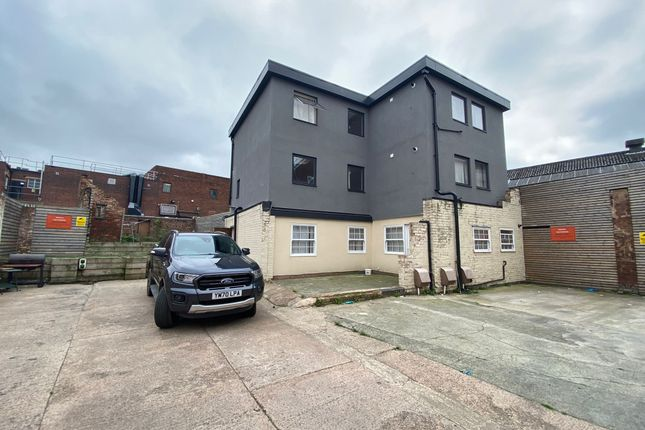 Thumbnail Flat to rent in Tower Street, Dudley
