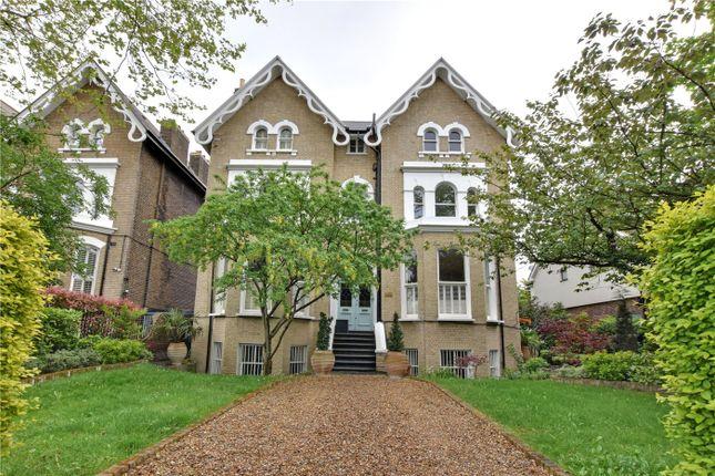 2 bed flat for sale in Stratheden Road, Blackheath, London SE3
