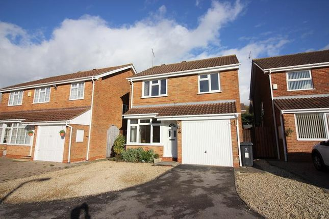 3 bed detached house for sale in Hopton Close, Freshbrook, Swindon