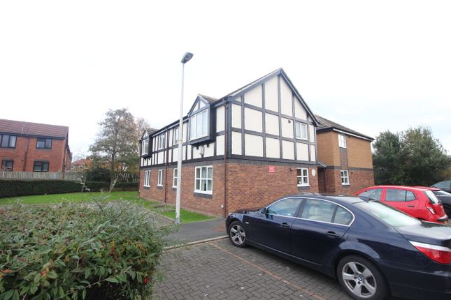 Thumbnail Flat to rent in Greenfinch Court, Herons Reach, Blackpool, Lancashire