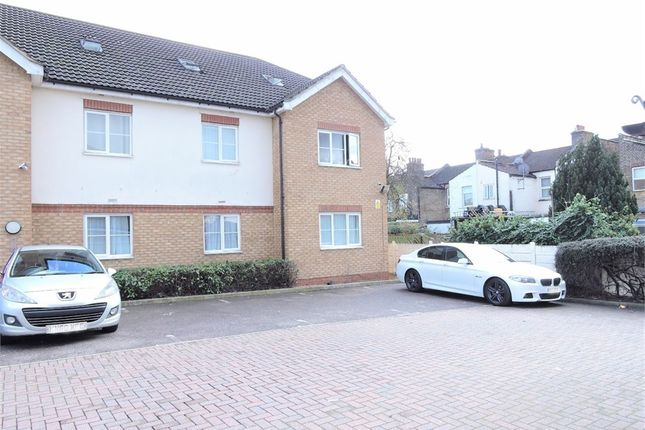 2 bed flat for sale in Rossmore Close, Enfield, Greater London EN3