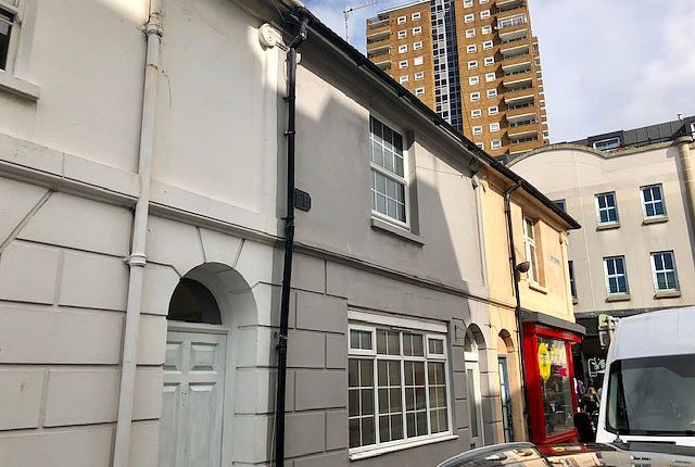 Thumbnail Terraced house to rent in Tidy Street, Brighton