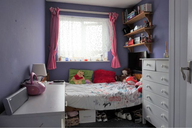 Bedroom of Teesdale Road, Slough SL2