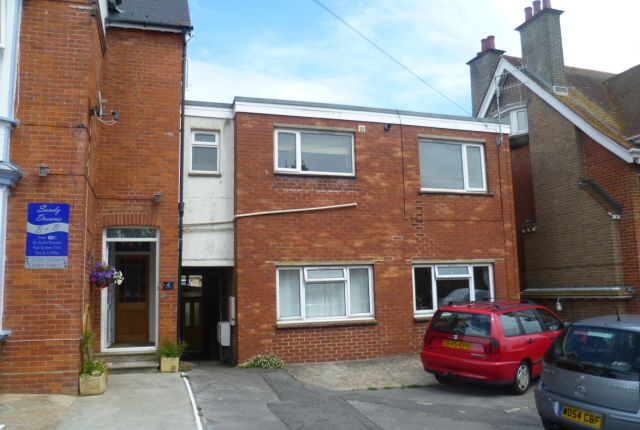2 bed flat to rent in Kirtleton Avenue, Weymouth DT4