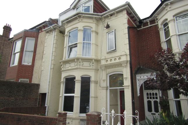 Thumbnail Flat to rent in Lawrence Road, Southsea, Hampshire
