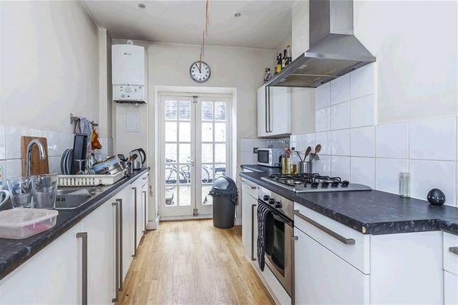 Thumbnail Property to rent in Canrobert Street, Bethnal Green, London