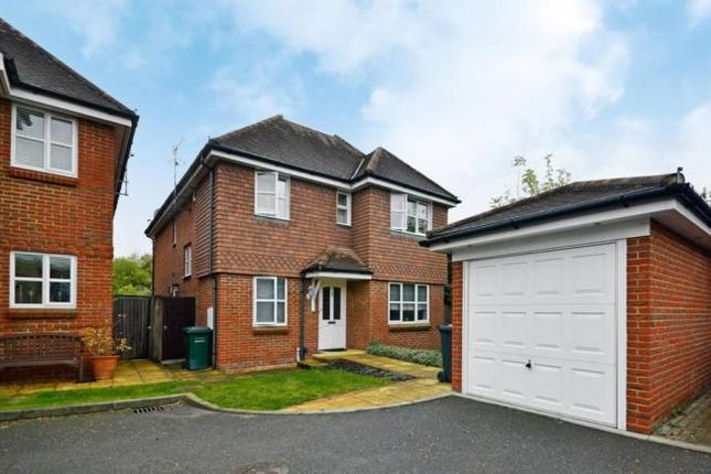 Thumbnail Detached house to rent in Knebworth Close, Barnet