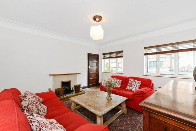 Thumbnail Maisonette for sale in Leigham Court Road, Croydon, London