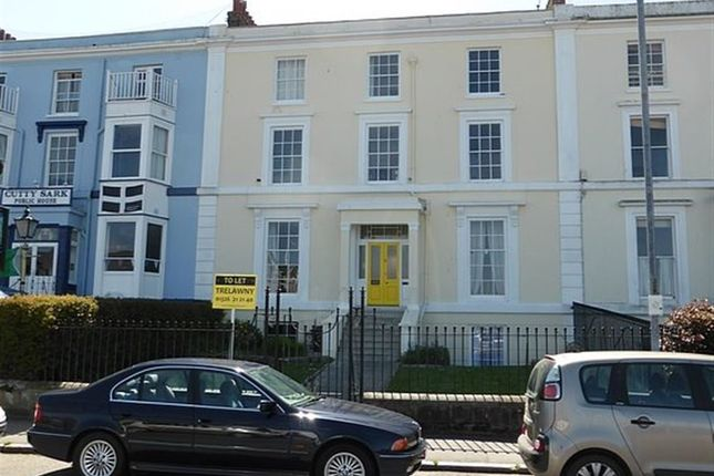 Thumbnail Flat to rent in Grove Place, Falmouth