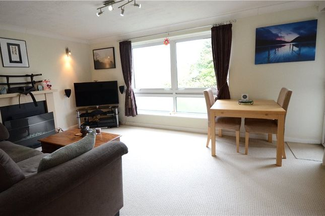 Thumbnail Flat for sale in Inglewood Court, Liebenrood Road, Reading