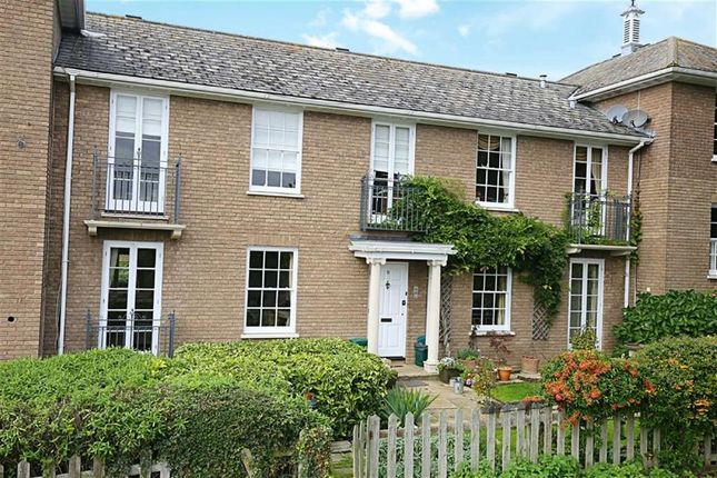 Thumbnail Flat for sale in Theydon Bower, Bower Hill, Epping