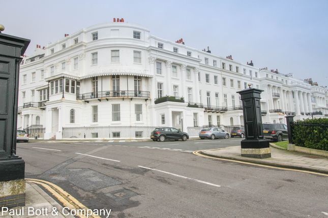 2 bed flat for sale in Arundel Terrace, Brighton