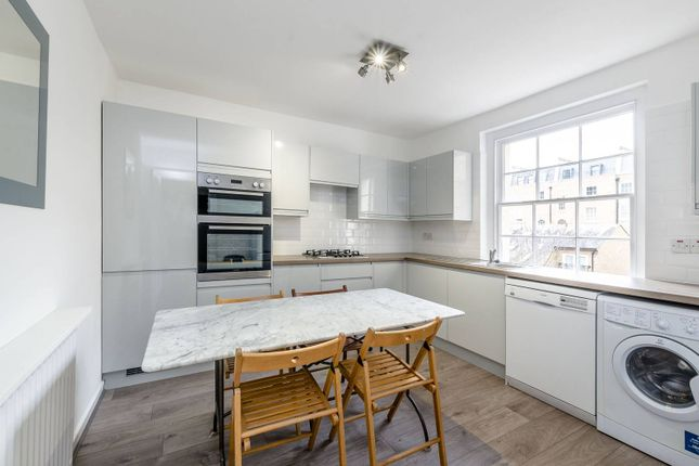 2 bed maisonette to rent in Albany Street, Camden