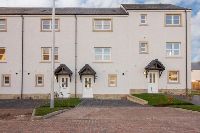 Thumbnail Town house for sale in Carrongrove, Off Tarduff Place, Stoneywood, Falkirk