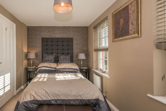 Bedroom of Gleneagles Close, Great Denham, Bedford MK40