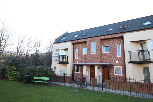 Thumbnail Maisonette for sale in Lawrence Square, York